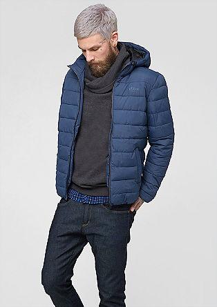 Športna prešita jakna s kapuco