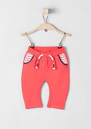 Športne hlače s kontrastnimi detajli
