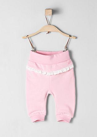 Športne hlače s kvačkano obrobo