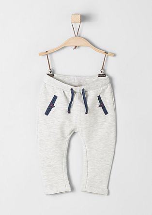 Športne hlače z detajli iz jeansa