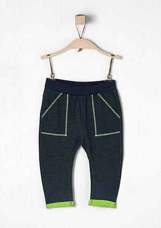Športne hlače z neonskimi poudarki