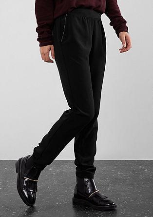 Športne hlače z okrasnimi biseri