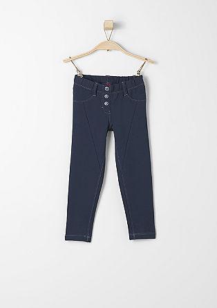 Športne hlače z okrasnimi gumbi