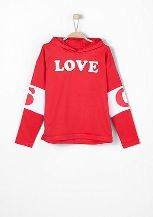 Športni pulover s kapuco in sporočilom