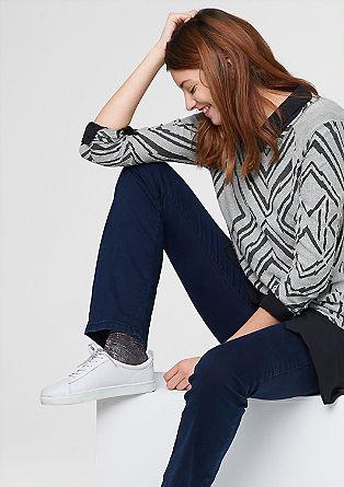 športni pulover z rombastim vzorcem