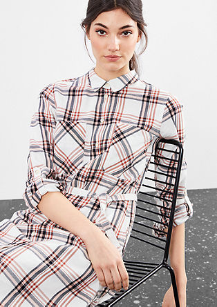 Srajčna obleka v karirastem dizajnu