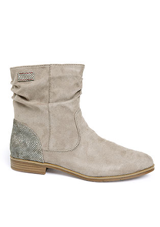 Stiefelette im Material-Mix