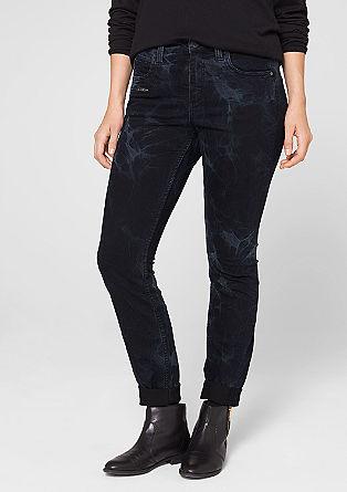 Straight fit: slim fit gebatikte jeans
