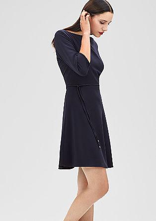 Stretchiges Kleid mit Gürtel