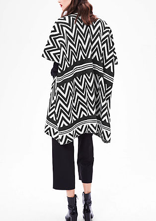 Strick-Poncho in Black-and-White