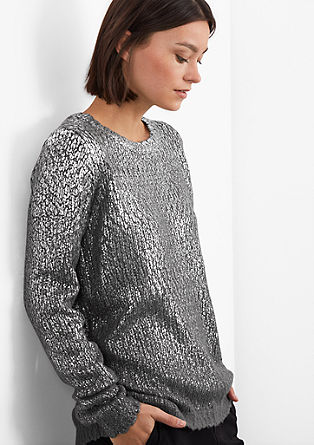 Strickpulli im Metallic-Look