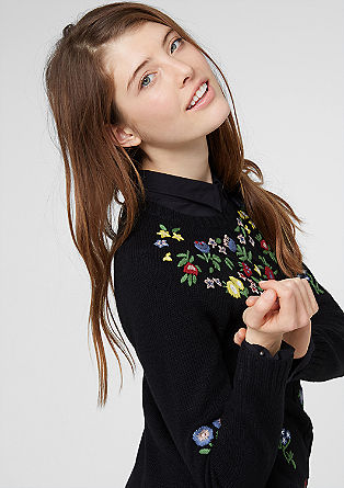 Strickpulli mit Blumen-Stickerei