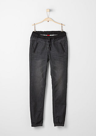 Suri: Graue Stretch-Denim