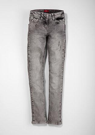 Suri: Used-Jeans mit Nieten