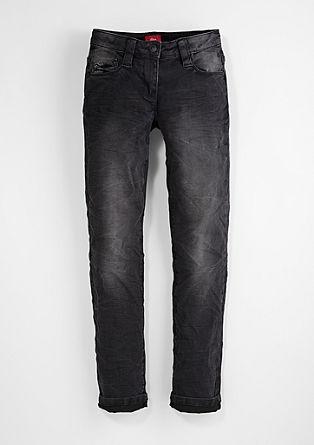 Suri Slim: obarvan raztegljiv jeans