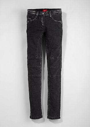 Suri Slim: rokerske raztegljive jeans hlače