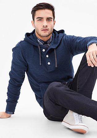Sweatshirt pulover z gumbi in s kapuco
