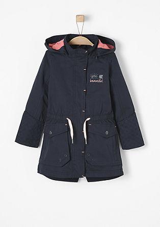 Taillierter Mantel mit rosa Details