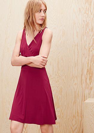 Tailliertes Cache Coeur-Kleid