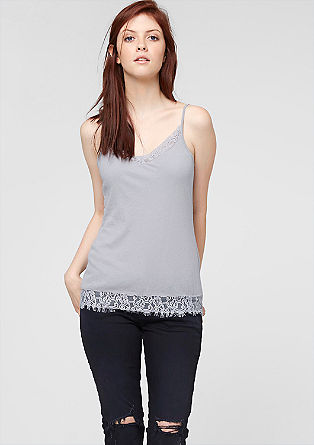 Top with a lace hem from s.Oliver