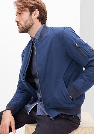 Topla jakna v bomber slogu