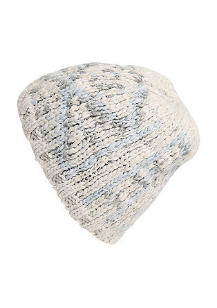 Topla pletena kapa z vzorcem