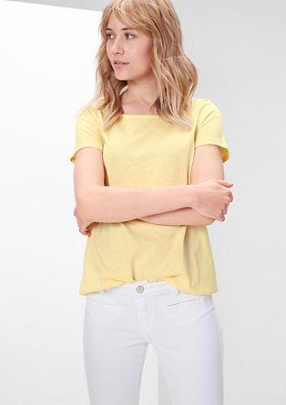 Tričko ze žíhané příze ve tvaru písmene O