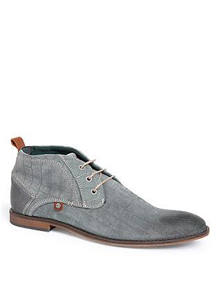 Usnjeni čevlji s vtisnjenim vzorcem in vezalkami