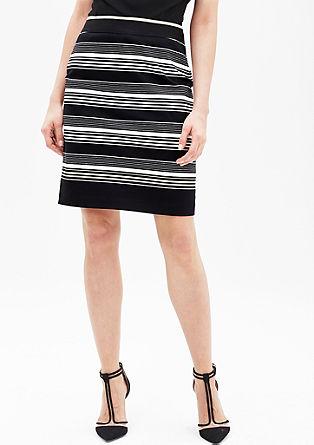 Úzká saténová sukně s potiskem