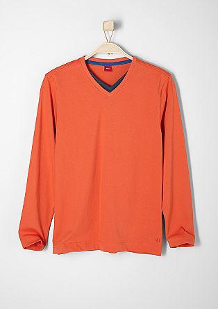 V-Neck-Shirt in Layer-Optik