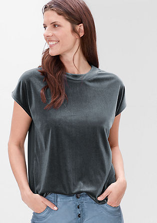 Velvet top with a stand-up collar from s.Oliver