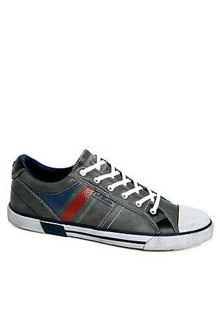 Vintage look sneakers