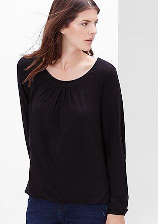 Viskozna majica z obrobo na izrezu