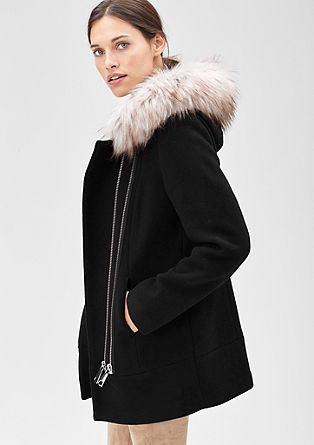 Volnena jakna z umetnim krznom