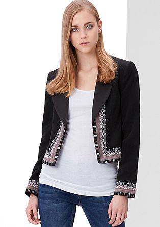 Volnena jakna z vezenjem v etno slogu
