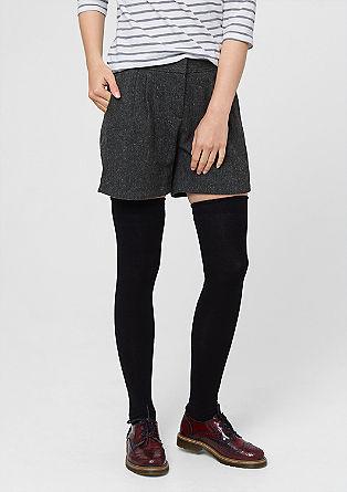 volnene kratke hlače z gubami v pasu