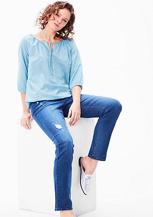 Vrouwelijke blouse met elastische band
