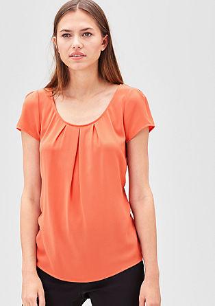Vrouwelijke shirtblouse