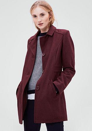 Vypasovaný vlněný kabát