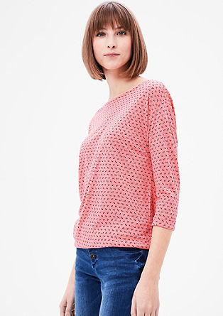 Vzorčasta majica v obliki črke O