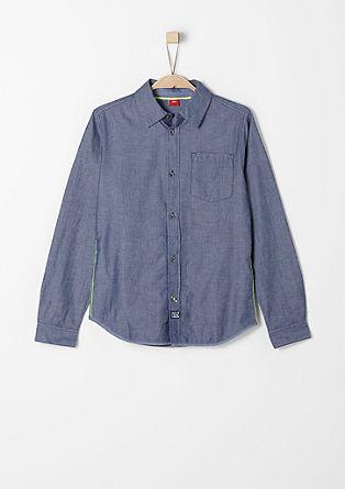 Vzorčasta srajca z neonskimi detajli