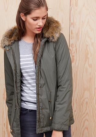 Warme jas met een capuchon met imitatiebont