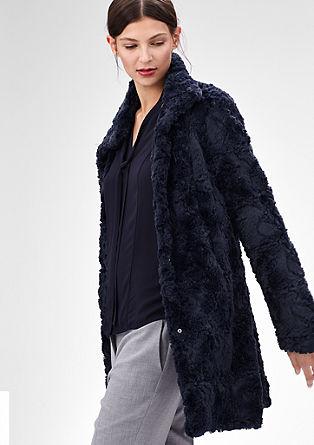 Warme mantel van imitatiebont