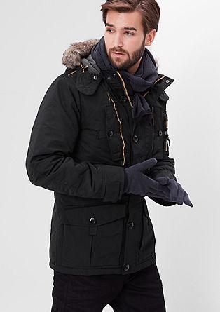 Warme Winterjacke mit Kontrasten