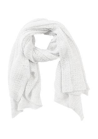 Zachte sjaal met ingewerkte gaatjes