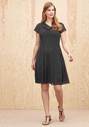 Zartes Kleid mit Pünktchen