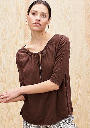 Ženstvena lanena majica