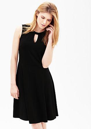 Žerzejové šaty s rozevlátou sukní