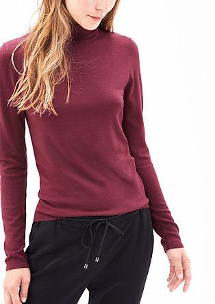 mehek pulover iz tanke pletenine s puli ovratnikom