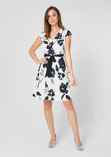 Kleid mit Cache Coeur-Ausschnitt